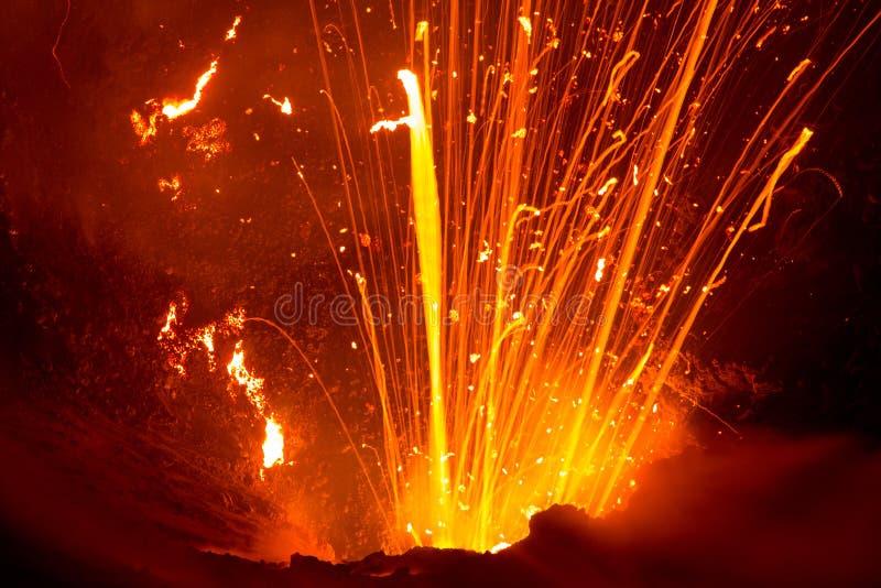 Uitbarsting van Volcano Yasur, Vanuatu stock afbeelding