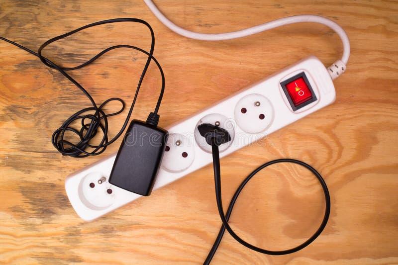 Uitbreidingskoord en gestopte kabels royalty-vrije stock afbeelding