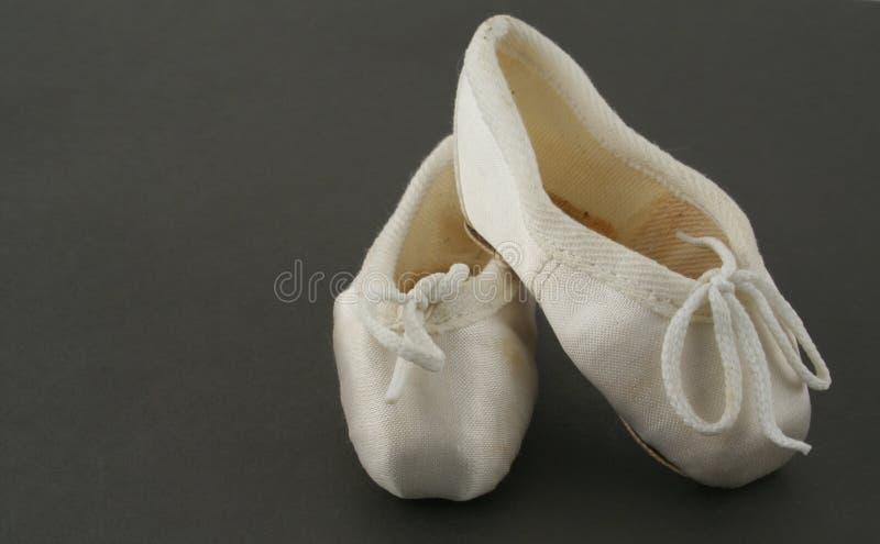 Uiterst kleine balletschoenen stock fotografie