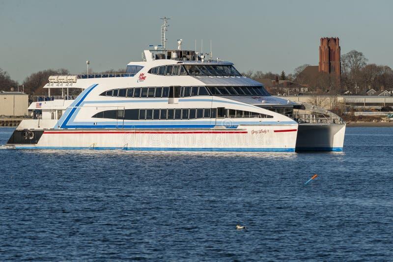 Download Uitgaande Hy-Lijn Veerboot Grey Lady IV Redactionele Stock Foto - Afbeelding bestaande uit dame, veerboot: 107704318