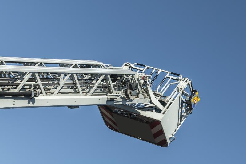 Uitgebreide ladder van een brandvrachtwagen royalty-vrije stock fotografie