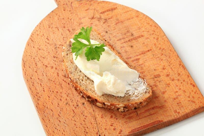 Uitgespreid brood en kaas royalty-vrije stock afbeeldingen