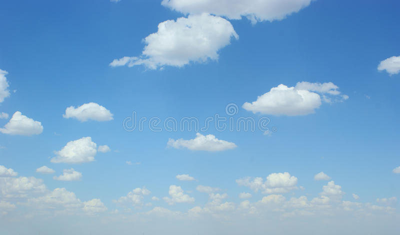 Uitgespreide wolk stock afbeelding