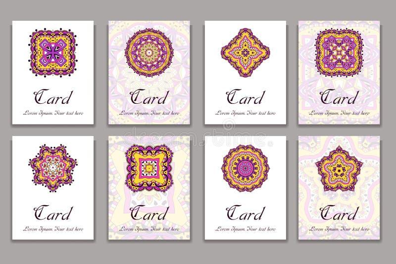 Uitnodigings grafische kaart met mandala Decoratief ornament voor kaartontwerp: bithday huwelijk, partij, het begroeten Uitsteken royalty-vrije illustratie