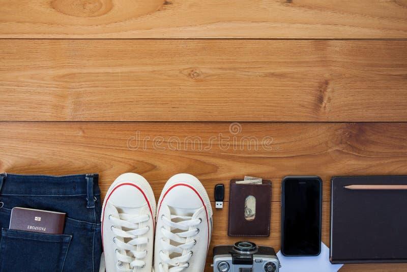 Uitrusting van reiziger, student, tiener, jonge vrouw of kerel stock afbeelding