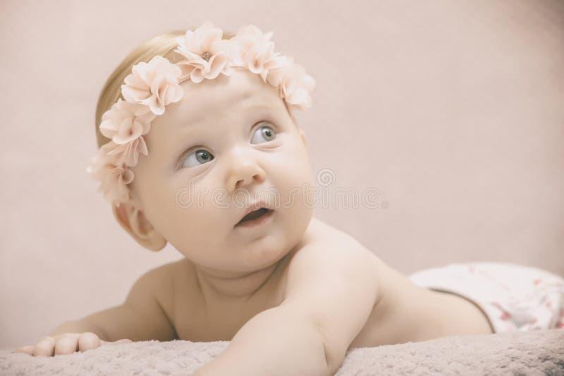 Uitstekend babyportret royalty-vrije stock afbeelding