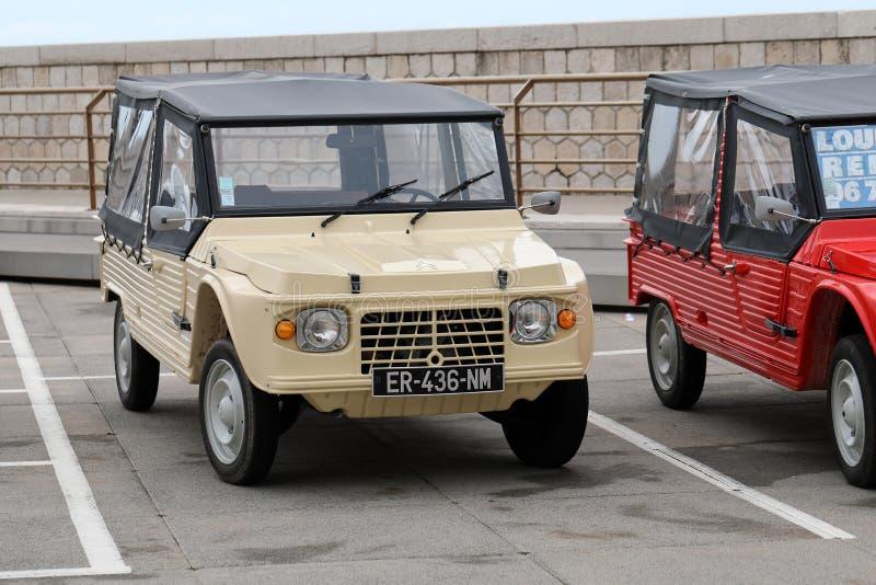 Uitstekend Beige Citroën Mehari stock afbeeldingen