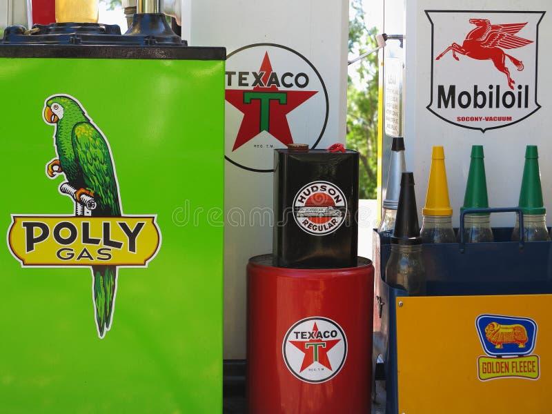 Uitstekend benzinestationdetail royalty-vrije stock foto's