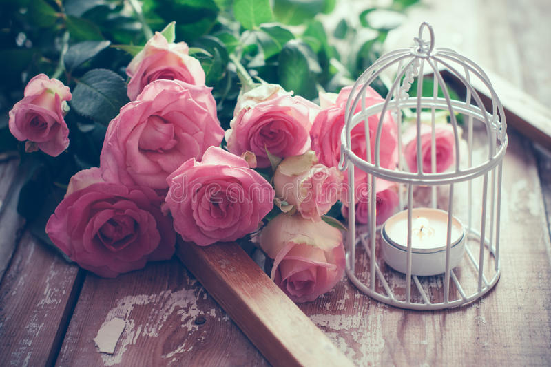 Uitstekend decor met rozen royalty-vrije stock foto