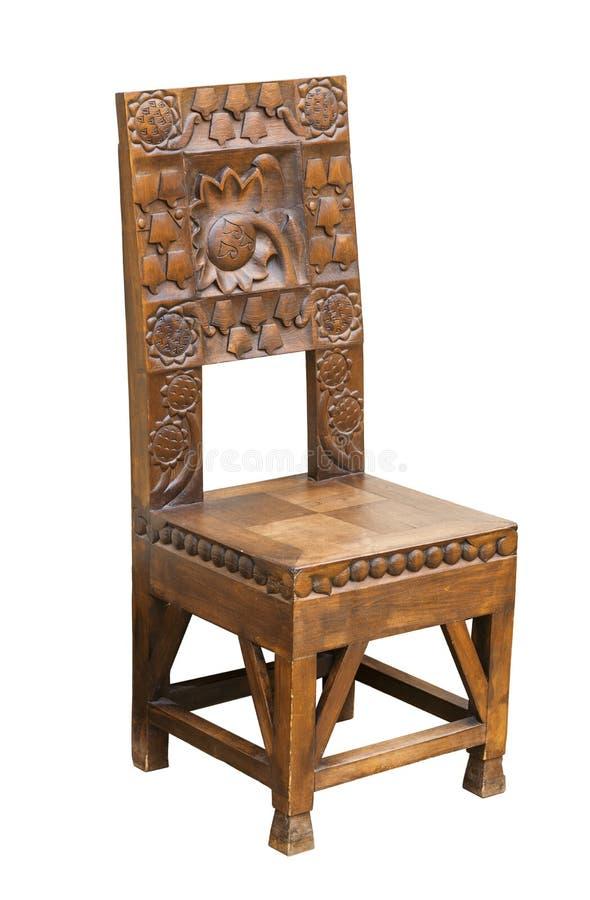 Uitstekend elegant stoel donker hout met gravure in de Russische stijl op witte achtergrond royalty-vrije stock afbeeldingen