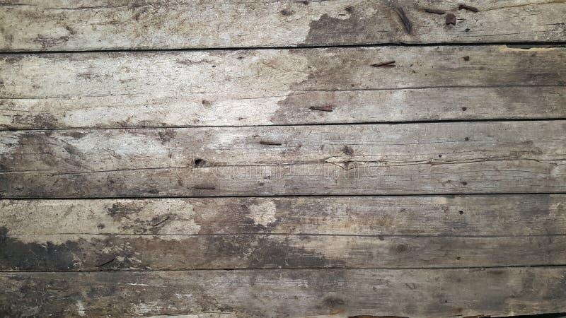 Uitstekend houten teken van oude die raad samen met roestige spijkers wordt geklopt royalty-vrije stock afbeelding