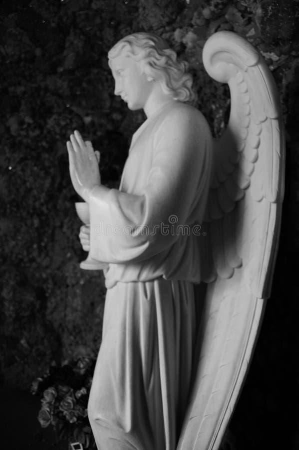 Uitstekend Marmeren Angel Offering Blessing stock fotografie