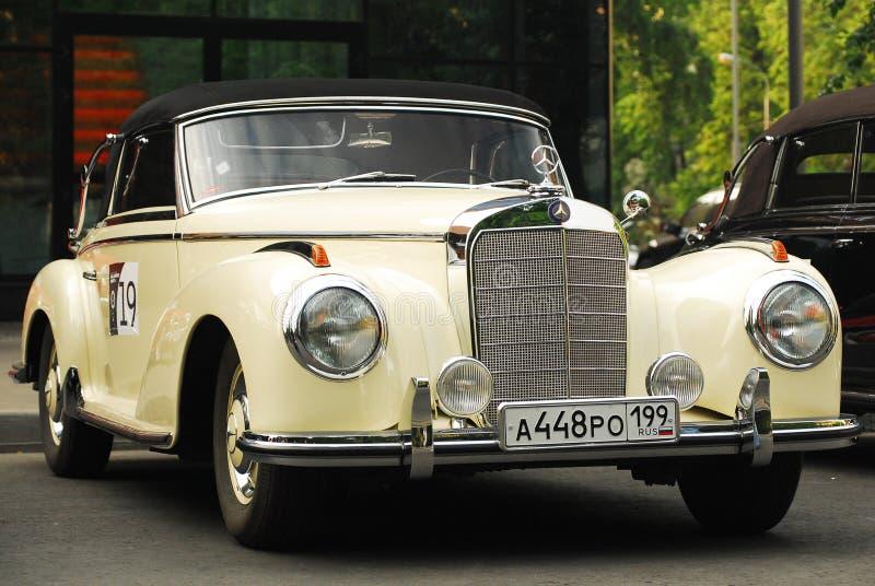 Uitstekend Mercedes bij de Klassieke Dag 2010 van Mercedes-Benz stock fotografie