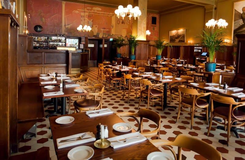 Uitstekend meubilair, decor binnen klassieke die restaurantpelikaan, in 17de centure wordt geopend royalty-vrije stock fotografie
