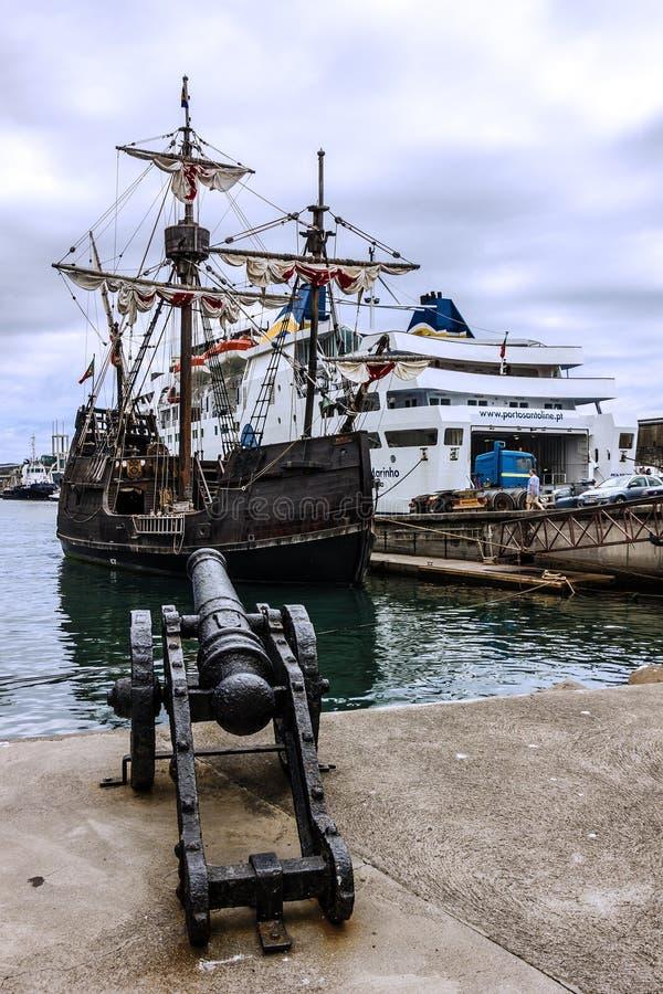 Uitstekend schip Santa Maria da Colombo, Madera, Funchal, Portuga stock afbeelding