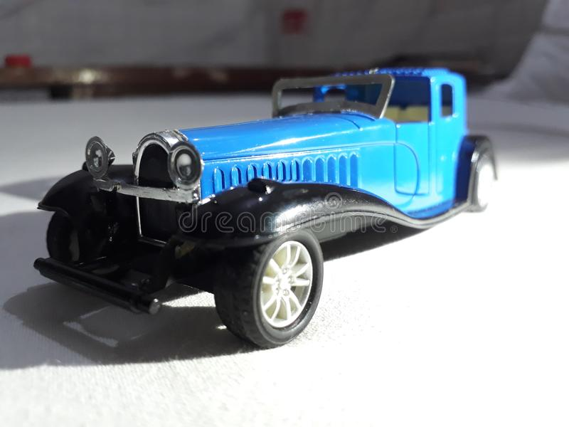 Uitstekend Toy Car Royal Blue Colour royalty-vrije stock afbeelding