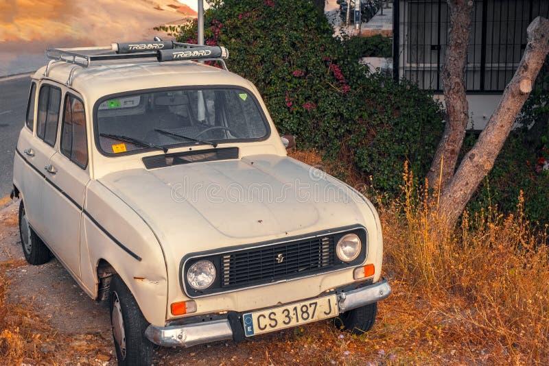 Uitstekend wit Renault 4 auto stock foto