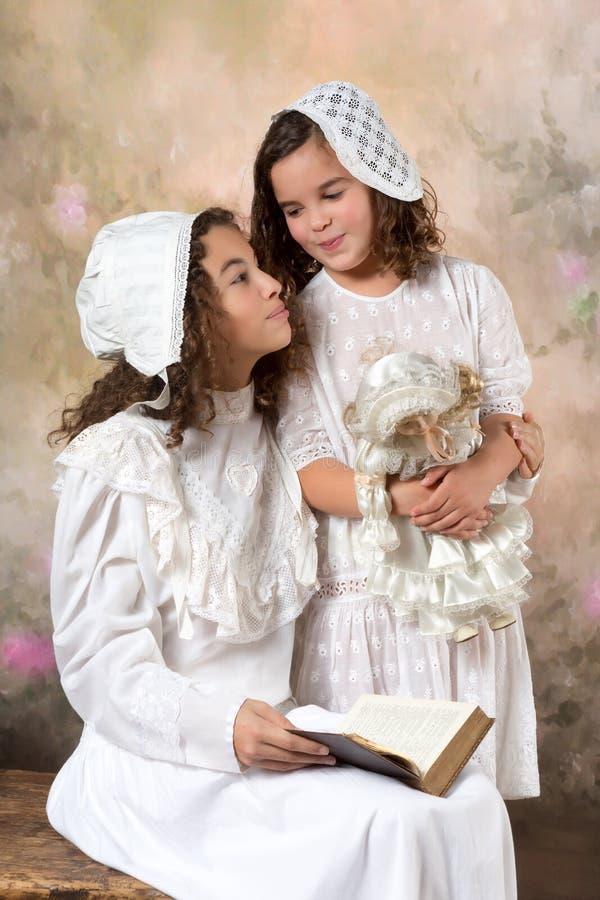Uitstekend zustersportret royalty-vrije stock afbeeldingen