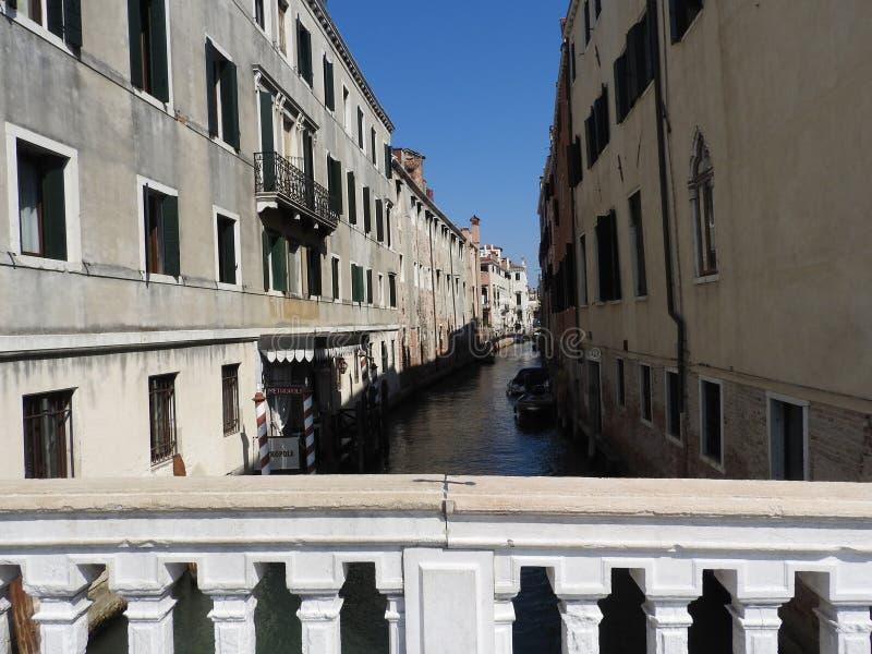 Uitstekende architectuur van Venetië, Italië, steenvoorgevels en ontwerpelementen, een reis aan Europa royalty-vrije stock fotografie