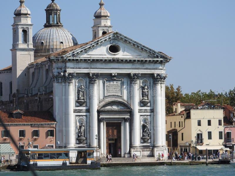 Uitstekende architectuur van Venetië, Italië, steenvoorgevels en ontwerpelementen, een reis aan Europa stock fotografie