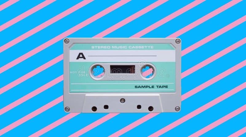 Uitstekende audiobandcassette Retro achtergrond royalty-vrije stock afbeeldingen