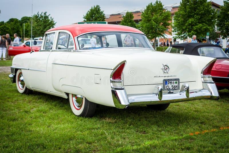 Uitstekende auto packard Clipper Luxe, 1956 stock fotografie