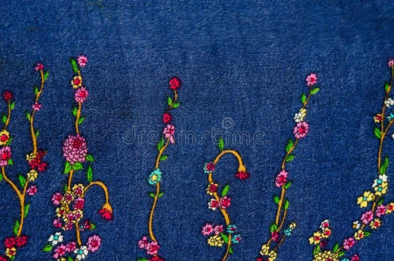 Uitstekende bloemenstof stock foto