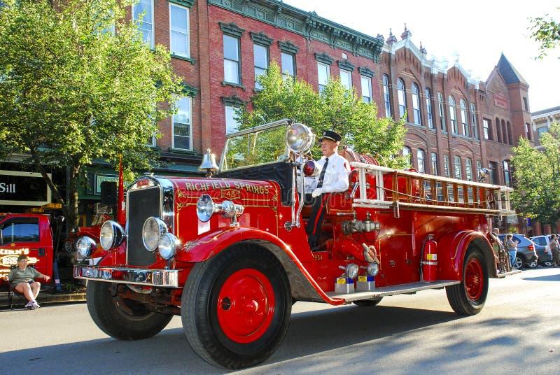 Uitstekende Brandvrachtwagen in Parade royalty-vrije stock afbeelding