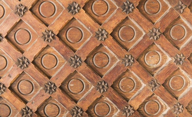 Uitstekende bruine houten textuur met metaaldecoratie royalty-vrije stock afbeelding