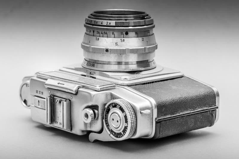 Uitstekende Camera in een Adembenemende zwart-witte mening stock foto's