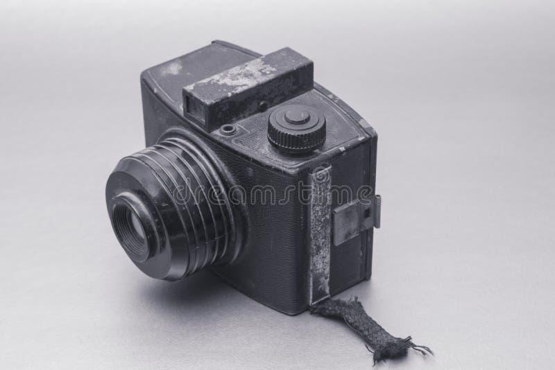 Uitstekende camera met zwart-witte lens stock foto