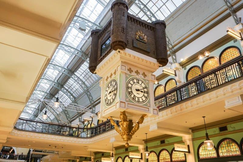 Uitstekende die klok en binnenlandontwerp in de Koningin Victoria Building in Sydney Australia wordt genomen stock afbeelding