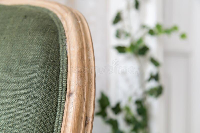 Uitstekende die stoel van stevig houten close-up wordt gemaakt Zachte nadruk royalty-vrije stock foto