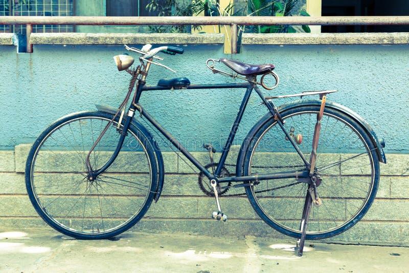 Uitstekende fiets stock afbeelding