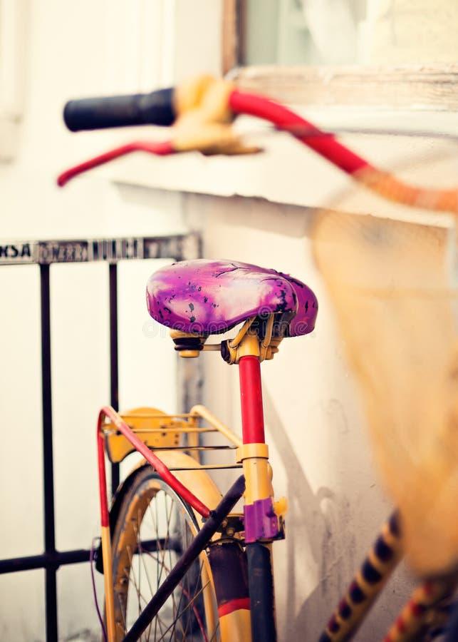 Uitstekende fiets in Parijs stock afbeeldingen