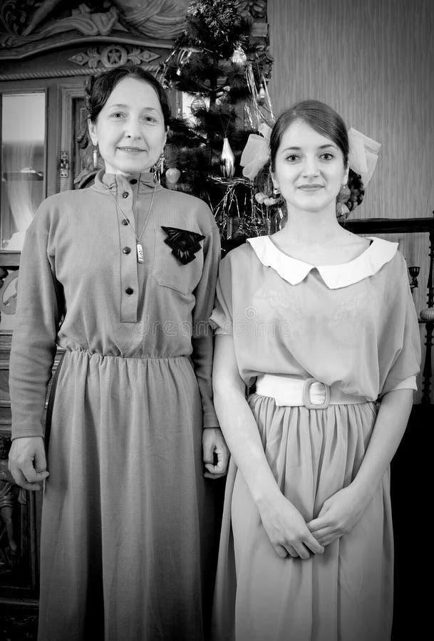 Uitstekende foto van dochter met moeder stock foto's