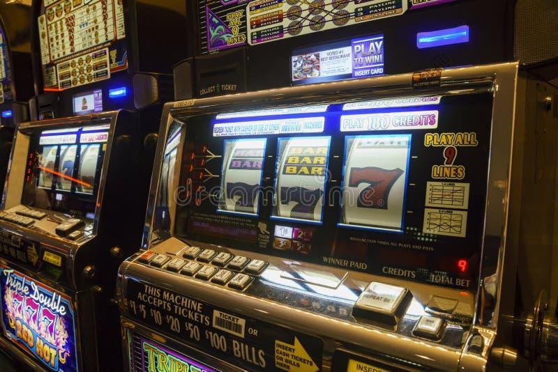 Uitstekende groef het gokken machine stock afbeeldingen