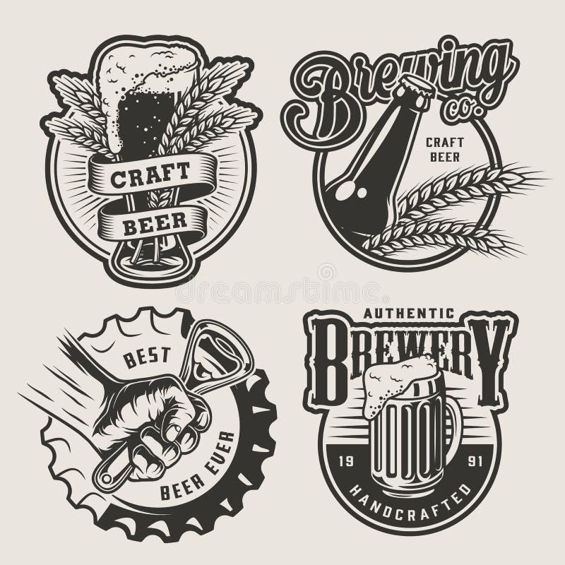 Uitstekende het brouwen geplaatste emblemen stock illustratie