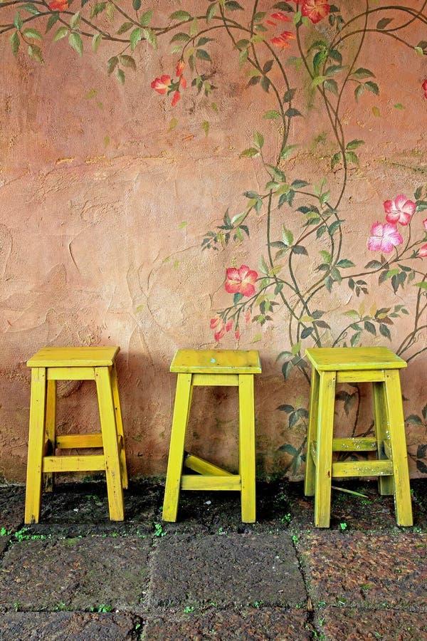 Uitstekende houten stoel royalty-vrije stock foto's