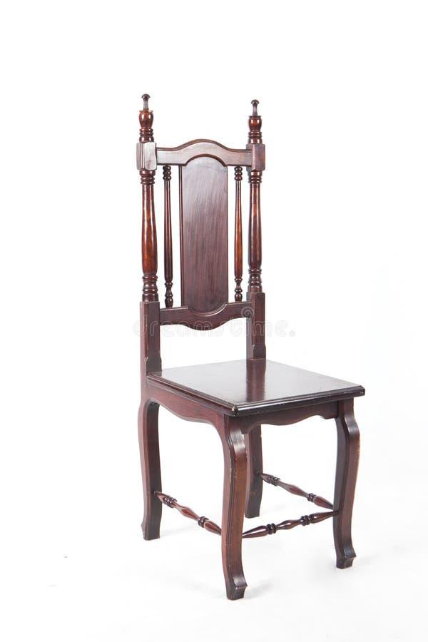 Uitstekende Houten Stoel Hoge houten die stoel op witte achtergrond wordt geïsoleerd royalty-vrije stock foto's