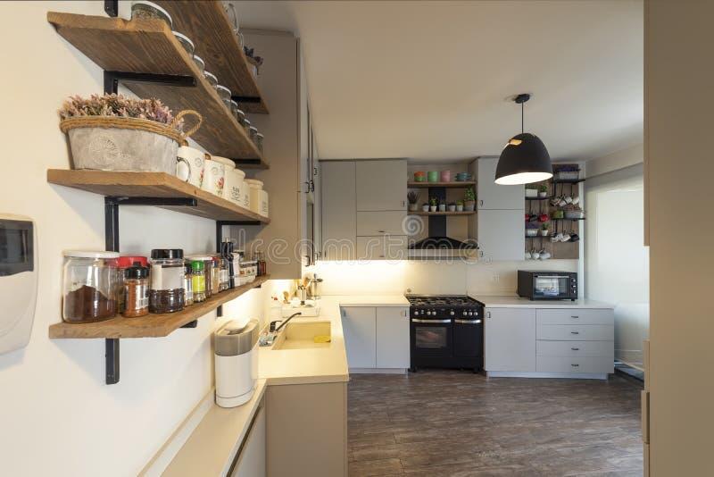 Uitstekende industriële keuken, Keukenontwerp royalty-vrije stock foto's