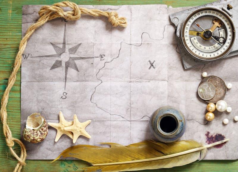 Uitstekende kaart, meer magnifier kompas, stock foto's