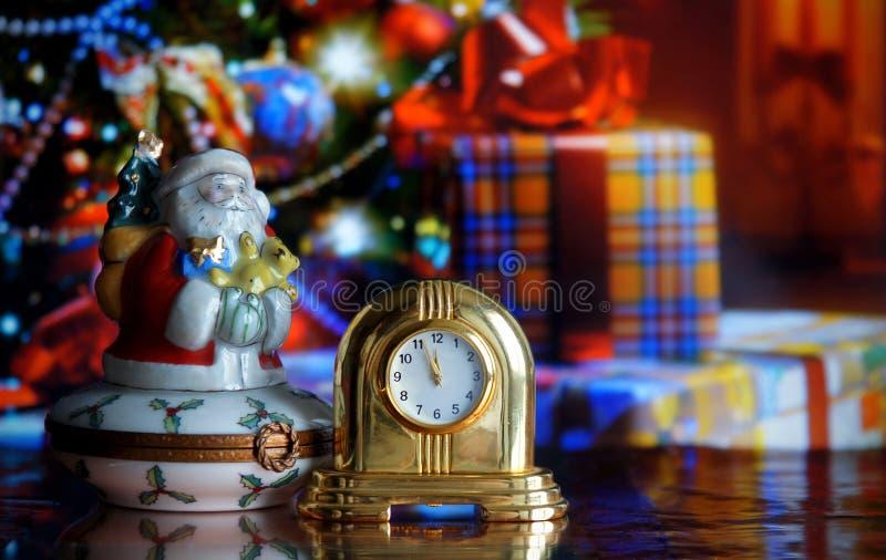 Uitstekende klok en Santa Claus royalty-vrije stock foto's