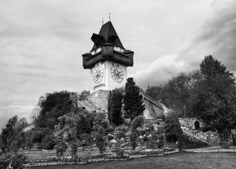 Uitstekende Klokketoren in Graz, Oostenrijk stock afbeeldingen