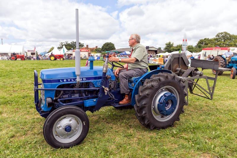 Uitstekende Leyland 154 Tractor royalty-vrije stock foto