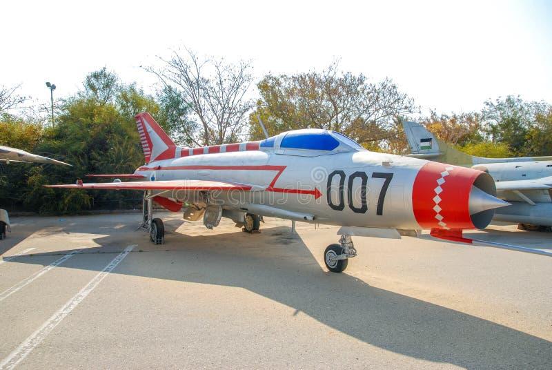 Uitstekende mikoyan-Gurevich mig-21 die vliegtuigen bij het Israëlische Luchtmachtmuseum worden getoond stock afbeelding