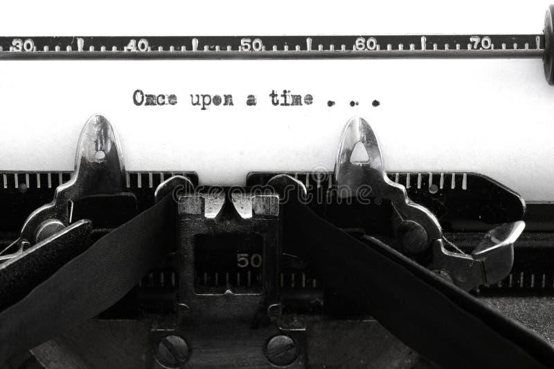 Uitstekende Oude Schrijfmachinesleutels en Karakters eens Stor royalty-vrije stock foto's