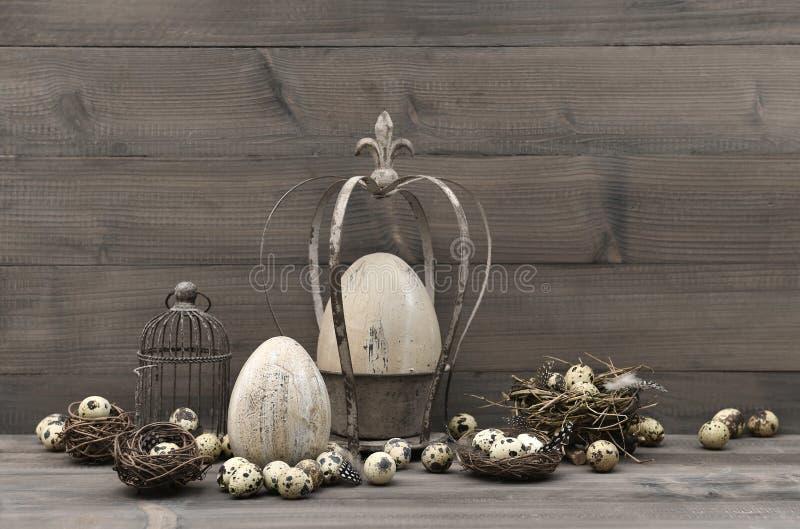 Uitstekende Pasen-decoratie sjofel elegant stilleven royalty-vrije stock fotografie