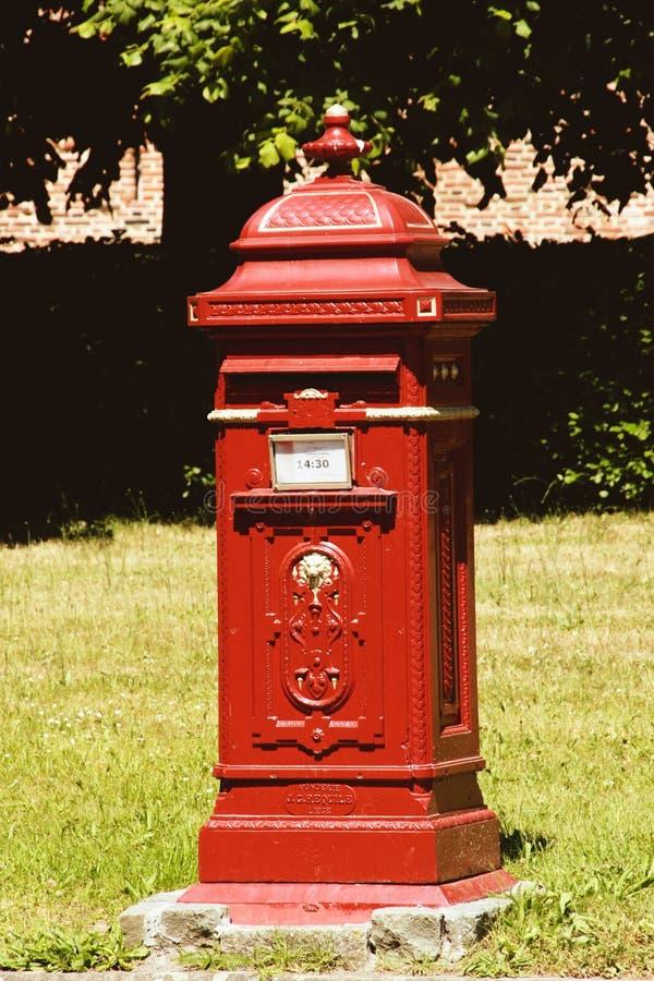 Uitstekende postbox stock foto's