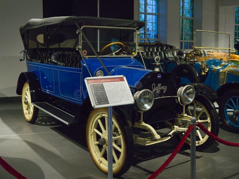 Uitstekende Retro Auto Jeffery Model die 93 bij het Museum reizen stock foto's